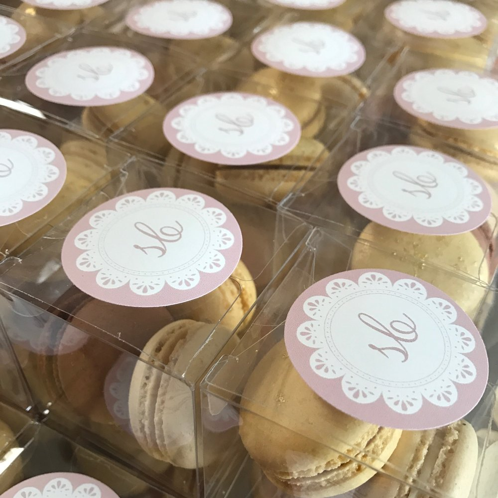 logo packages sweet burger macarons