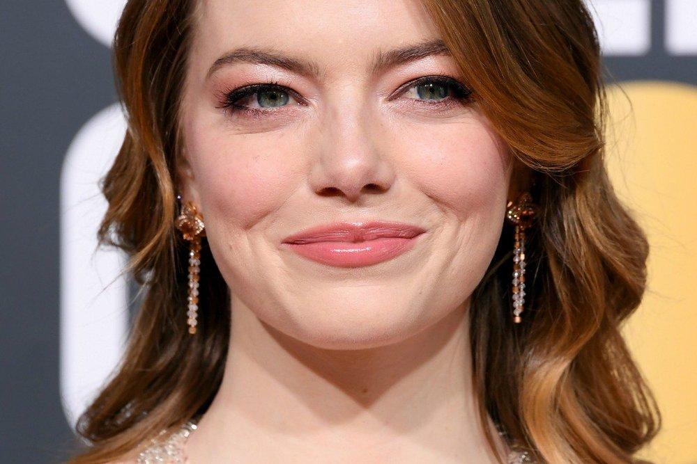 emma stone : earrings.jpg
