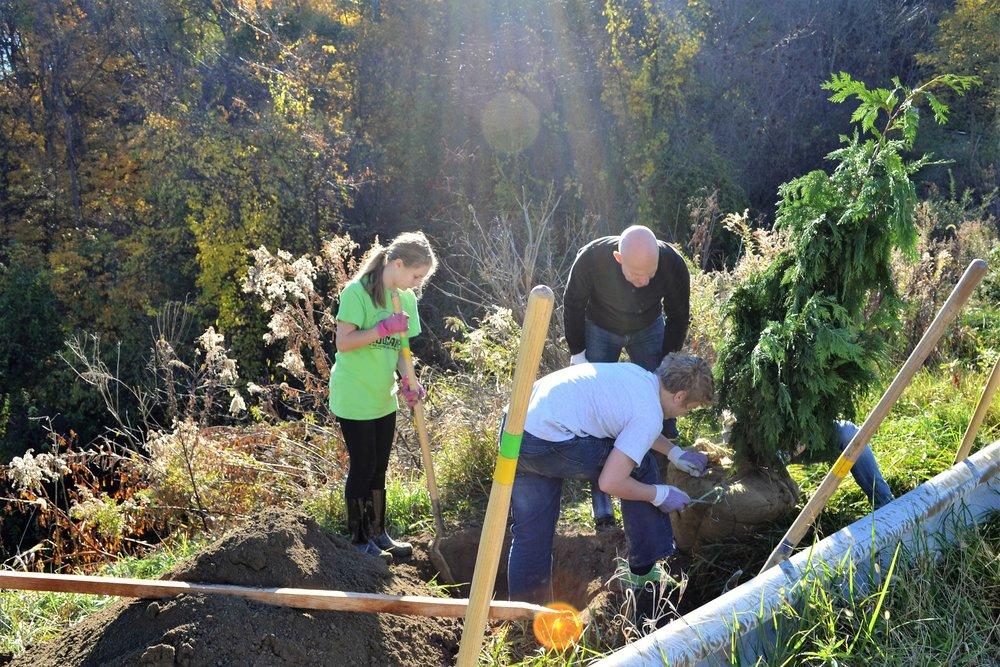 2016-11-05 Tree Planting Day (1).JPG