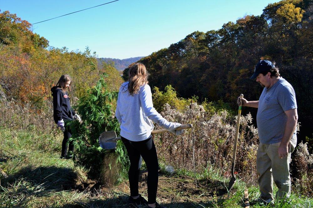 2016-11-05 Tree Planting Day (50).JPG