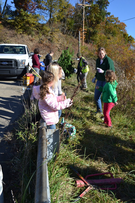 2016-11-05 Tree Planting Day (58).JPG