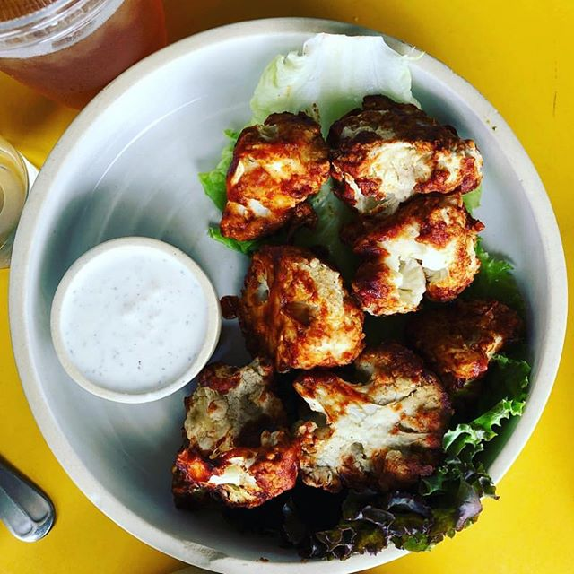 Cauliflower Nuggets with Vegan Housemade Ranch 📸: @heartfeltfoodtherapy