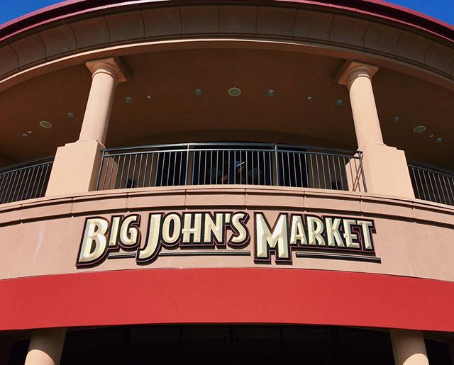 #LeBonMagot is LIVE at #BigJohnsMarket in #Healdsburg, California! Who's Big John? Or more appropriately, who's BIG John? Stop by to find out and for a taste of our line of five unusual and innovative jams and preserves!