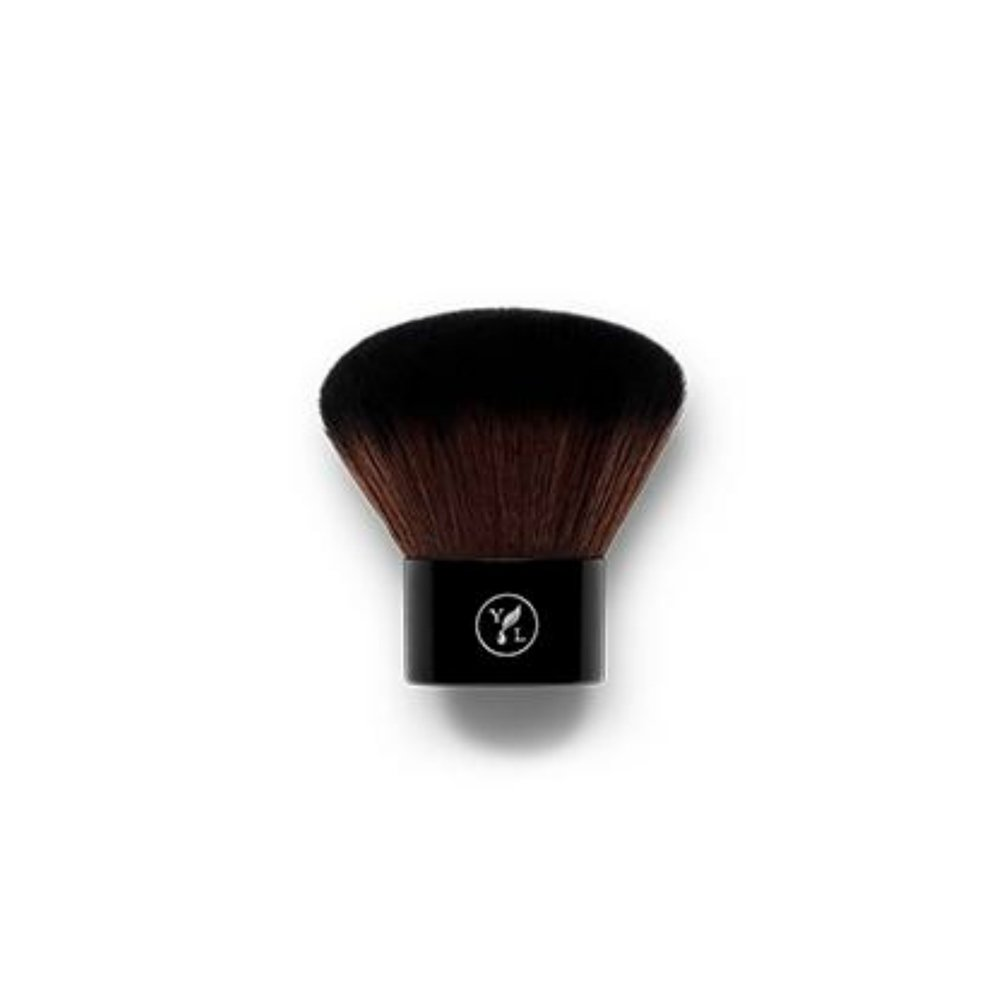 KABUKI BRUSH    Made with densely packed bristles, this kabuki makeup brush offers easy application and controlled coverage. It's specially designed to work with Savvy Minerals by Young Living powders, making it the best kabuki brush to hold the perfect amount of product and create a smooth finish for flawless-looking skin. Each soft makeup application brush is made from high-quality Italian synthetic fibers that are designed to hold the optimal amount of product and provide easy makeup application and a luxurious feel.   Click here   to learn more about this product.
