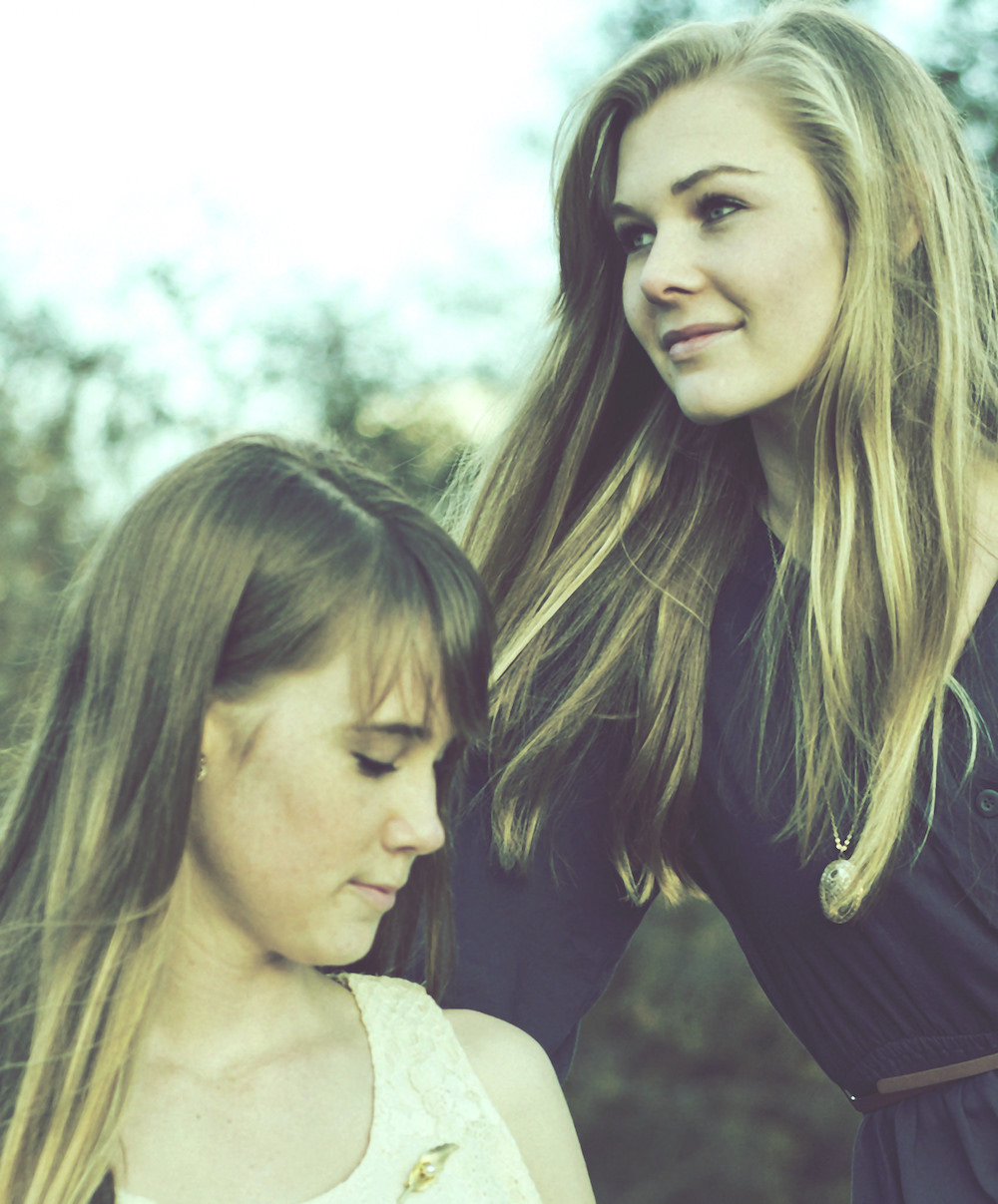 Annie and Sara.jpg