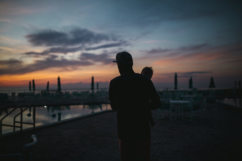 HighlightStudios-LifestyleFamilyPhotography-BeachTrip-SunriseSesh-1.jpg