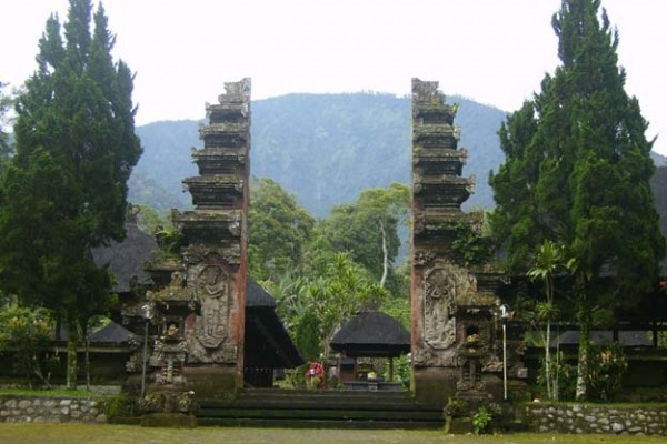 Temple Trek - IDR 500,000++ per person mineral water supplied.With an English speaking guide, wind your way through traditional Balinese mountain farmland, passing rice fields and selak plantations to the Pura Luhur Muncak Sari Temple. Our guides will provide you with sarong and sash so as you can enter the temple. From within the temple you can, if you choose, wind your way down a long staircase (400m) to a sacred grotto where the most important ceremonies take place.From there you walk down to a beautiful place by the river. You need to be reasonably fit to take the stairs.Time: 150 minutesFitness level: AverageStairs: High