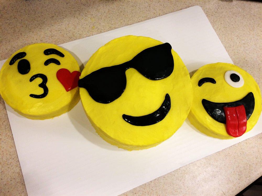 emoji cake 2