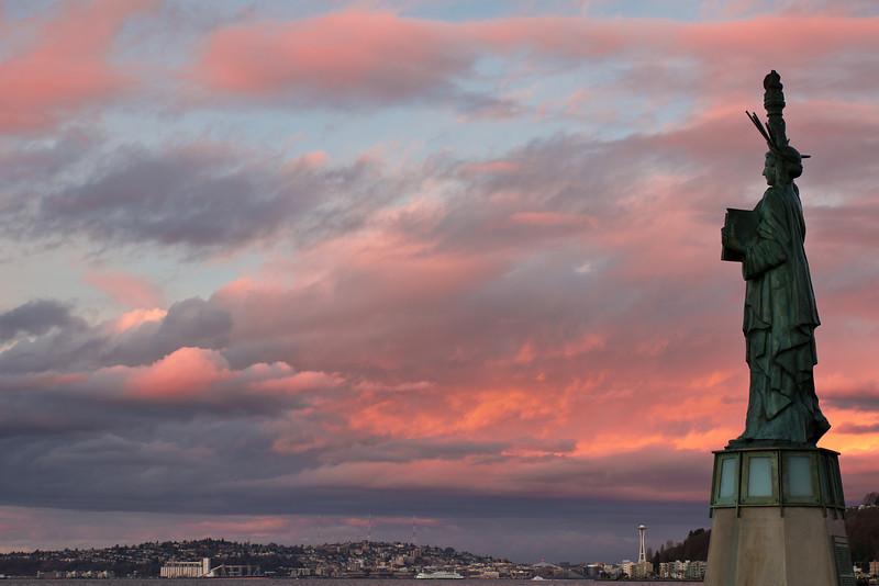 Alki Beach Statue of Liberty.jpg