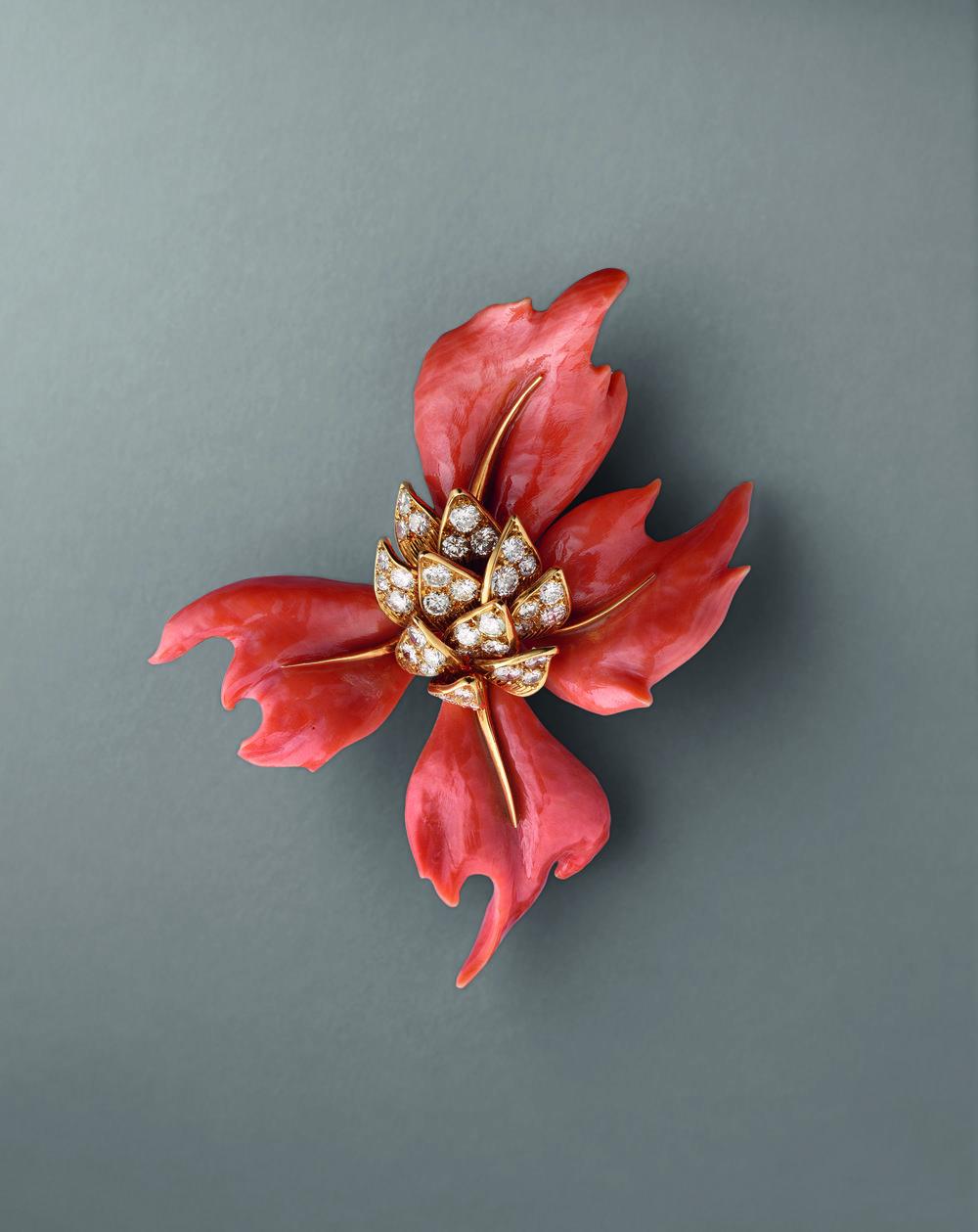 Chaumet Clip Fleur Corail