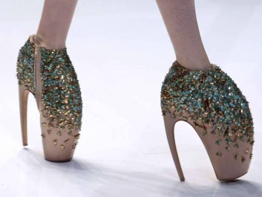 v-and-a-shoes-pleasure_pain-indpendent-co-uk-shoes-by-mcqueen-spring-2010.jpg