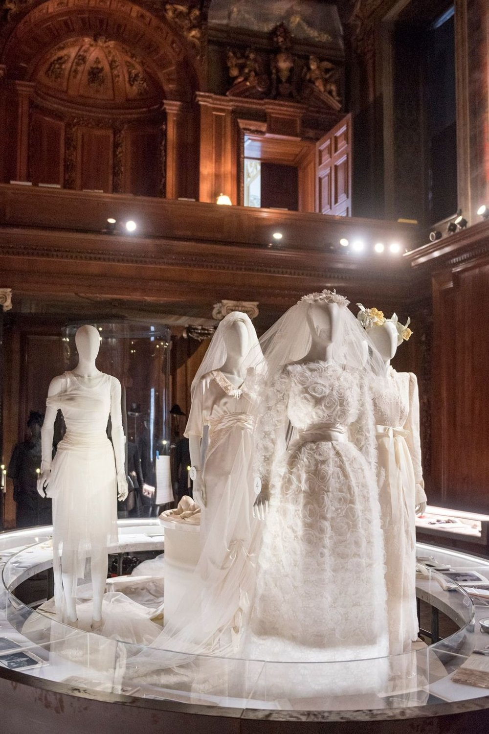 House Style Five Centuries Of Fashion At Chatsworth Couturenotebook