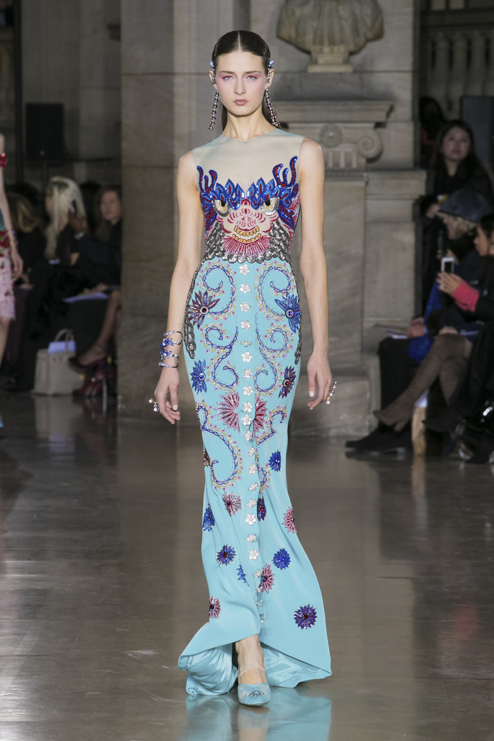Spring 2017 haute couture georges hobeika 39 s oriental for Haute couture shopping