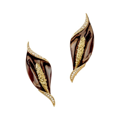 chaumet_arum_flower_clip_earrings_circa_1975__760x0_q80_crop-scale_subsampling-2_upscale-false.jpg