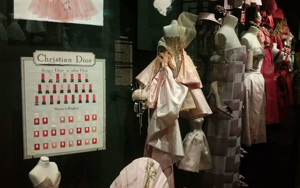 Couturenotebook- Christian Dior Couturier du reve (2).jpg