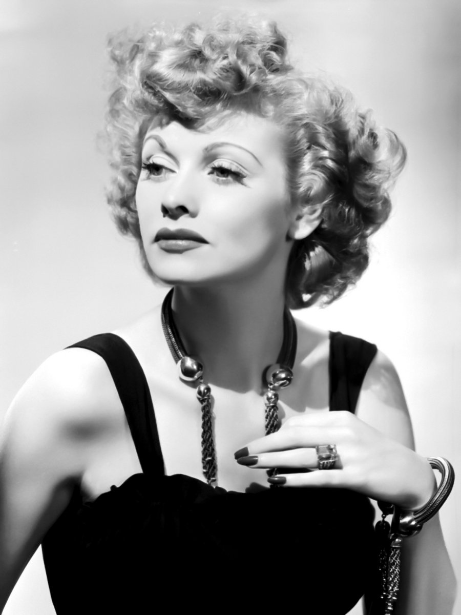 Lucille Ball was looking glamorous in 1941 wearing this gorgeous choker.jpg