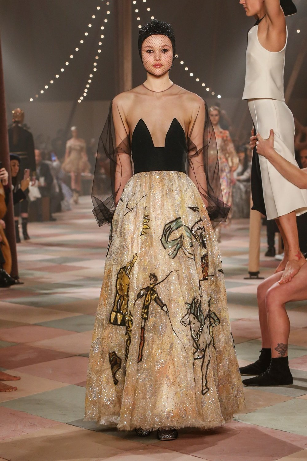 DIOR_HAUTE_COUTURE_SPRING-SUMMER2019_LOOK22.jpg