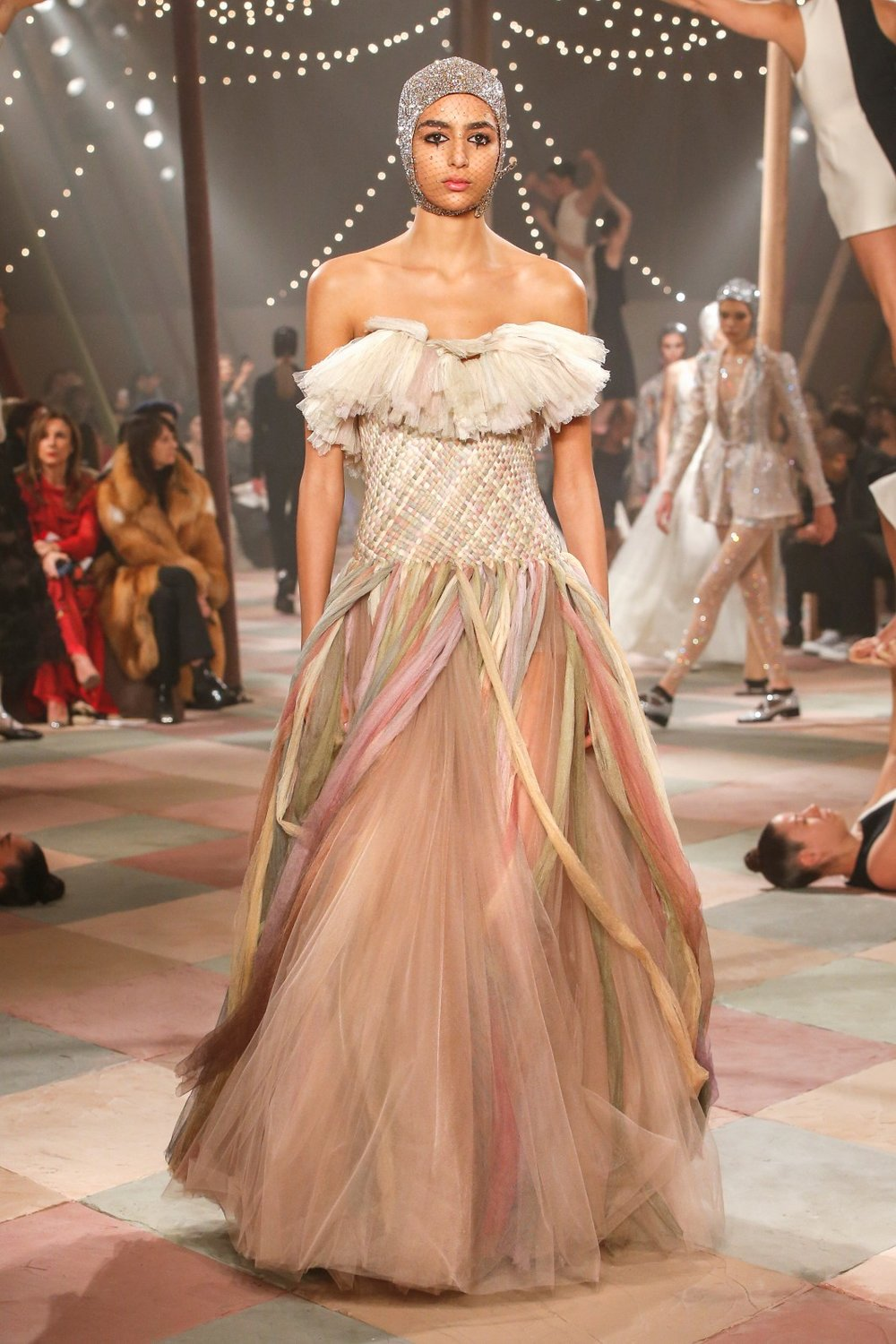 DIOR_HAUTE_COUTURE_SPRING-SUMMER2019_LOOK31.jpg