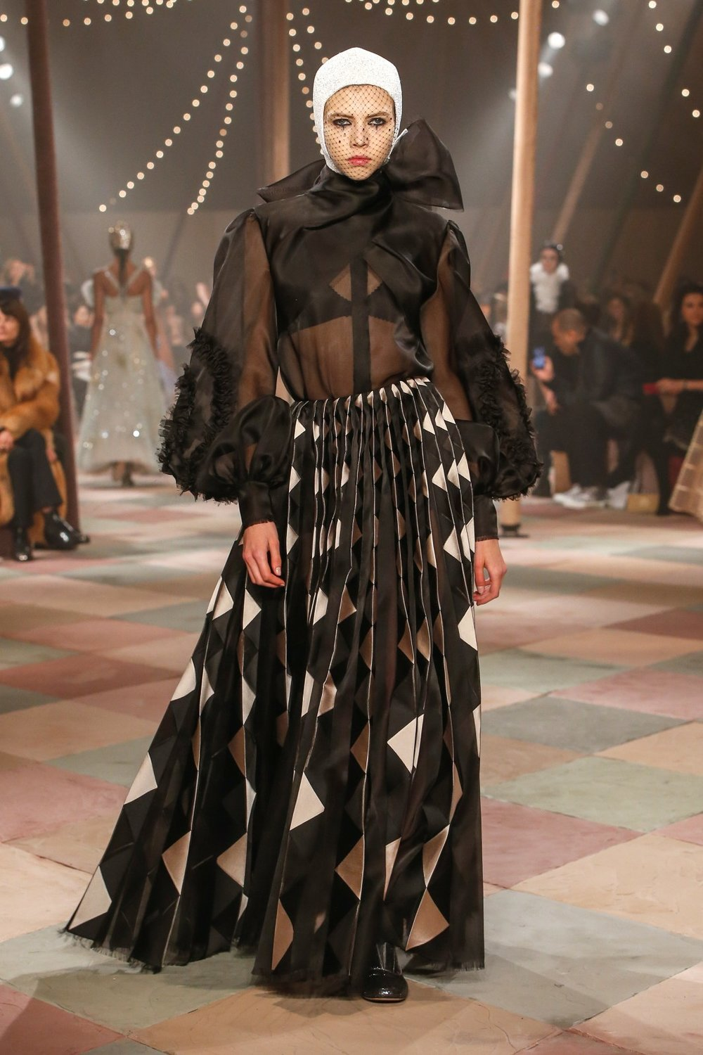 DIOR_HAUTE_COUTURE_SPRING-SUMMER2019_LOOK62.jpg