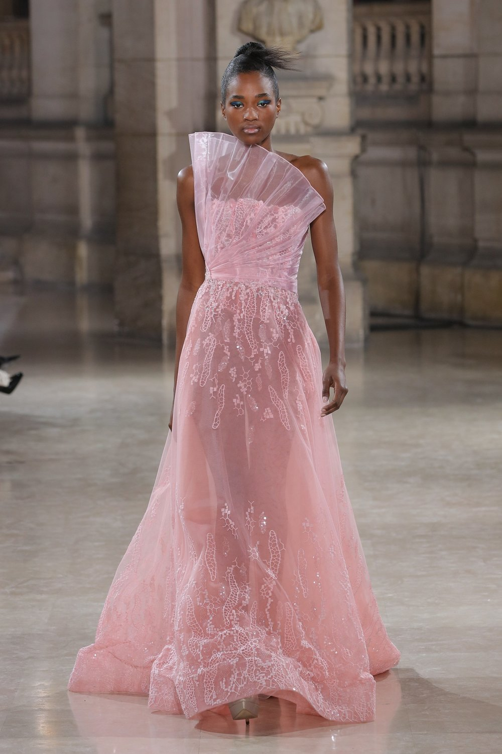 TONY_WARD_COUTURE_SS19_10.jpg