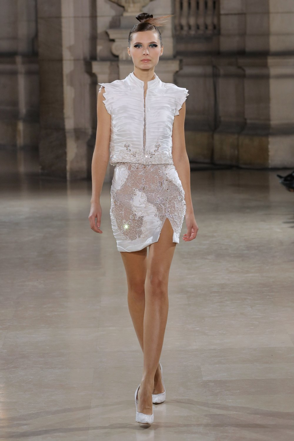 TONY_WARD_COUTURE_SS19_16.jpg