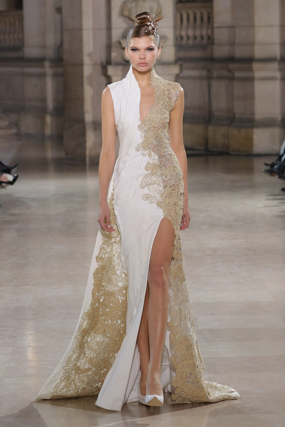 TONY_WARD_COUTURE_SS19_17.jpg