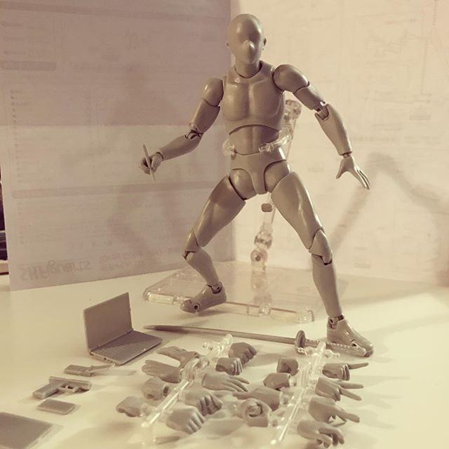 Bit of a learning curve but this is my birthday present to m'self. Thinking it'll help with imagining poses!! And also I've always wanted an action figure like this haha! Gonna for sure swoop the female version. Artists: hit me up if you are on the fence on getting these. I think it'll be helpful!! . . . . . . . #figuredrawing #pose #drawing #conceptart #reference #actionfigures @bodykun_dolls