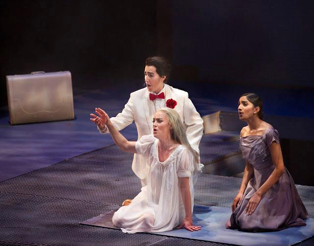 Opera Parallèle Photo credits: Steve Di Bartolomeo