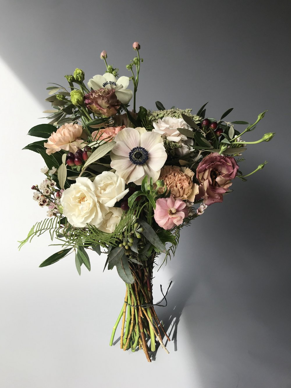 ADMIN PROFESSIONAL'S DAY IS 4/24/19! - Send them a token of appreciation from Nigella SF.We are a full service botanical boutique located in the lobby ofOne Market Plaza in San Francisco. Our impeccably styled designs can be found throughout the Bay Area in homes, offices, hotels, restaurants and events of all sizes.Looking for a more customized option?Give us a call. 415-933-9309