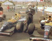 Mansell congratulates Patrese