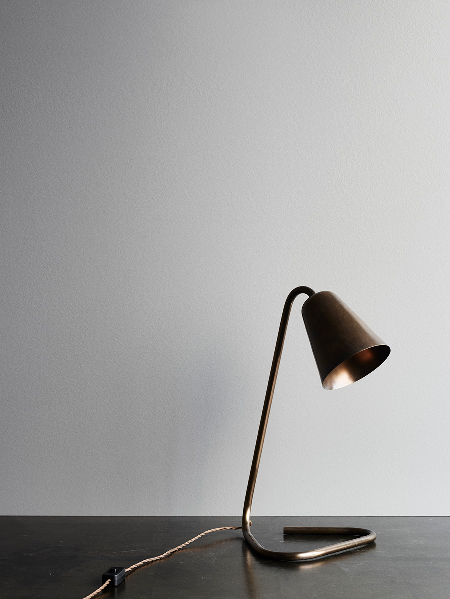 Flip Table Lamp <i><br>7.490 DKK</i>