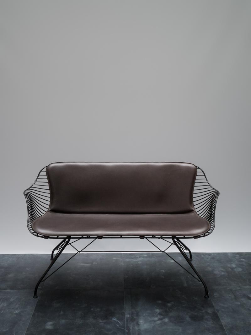 Wire Lounge Sofa <i><br>DKK 59.880</i>