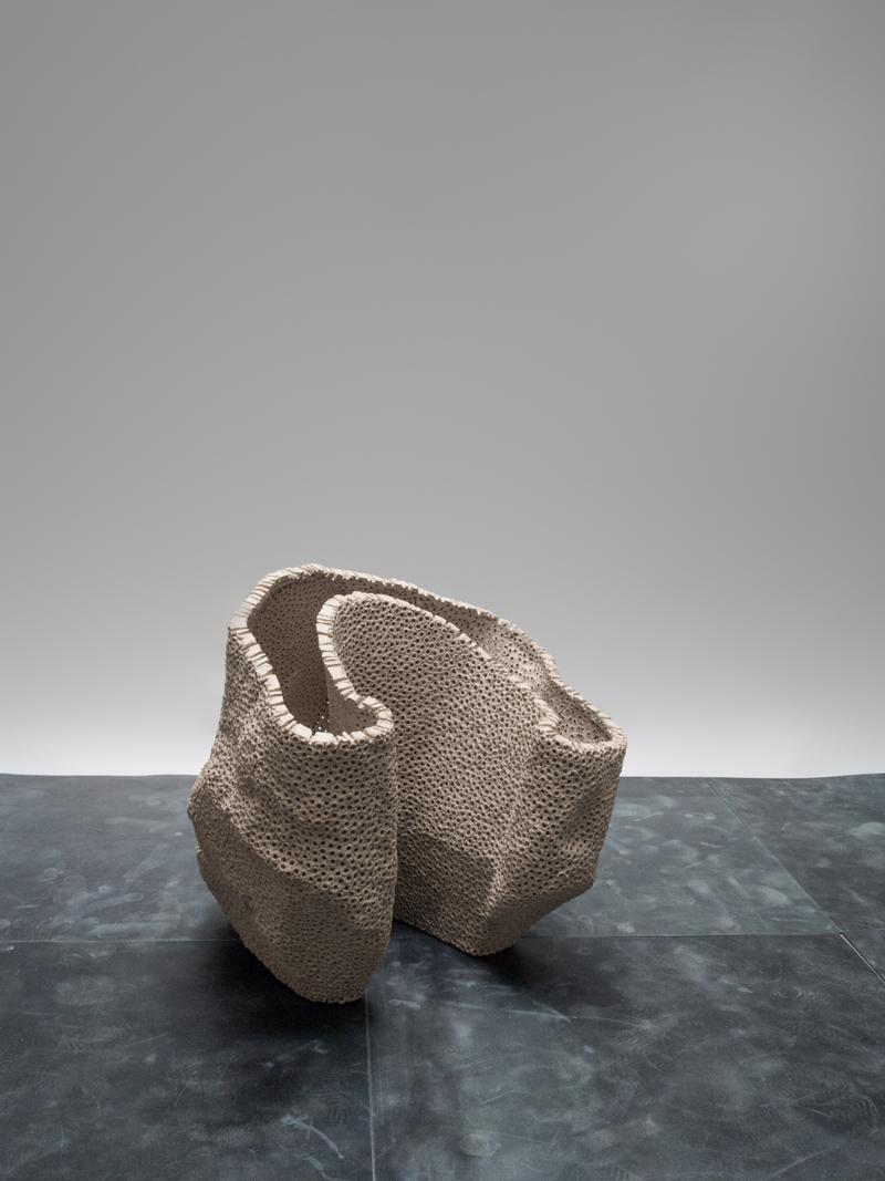 Carved Vase <i><br>12.900 DKK </i>