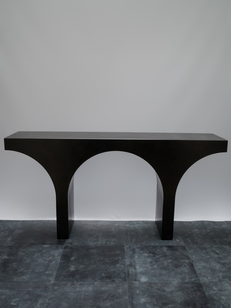 Roman Console Table <i><br>32.900 DKK</i>