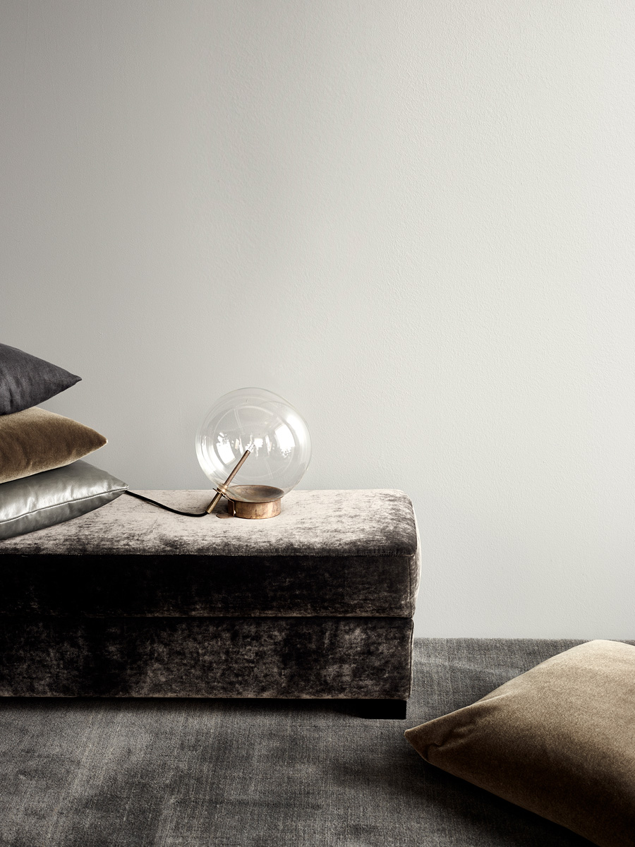 Smart Pouf and Bolle Table Lamp