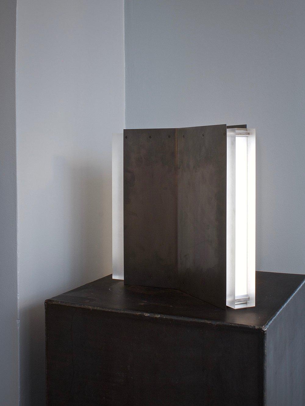 Rayon Table Lamp <i><br>32.750 DKK </i>