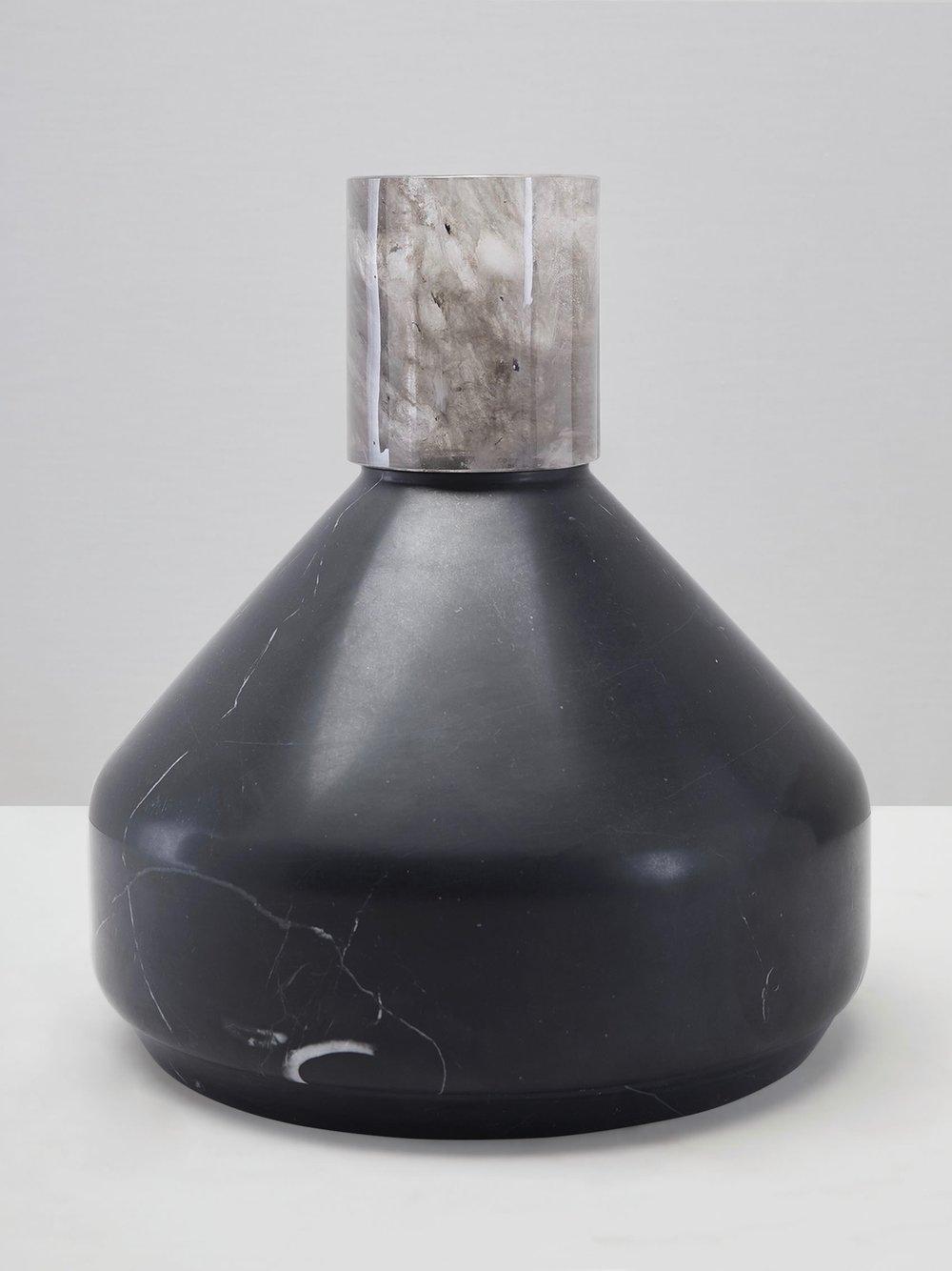 Bulky Bottle Vase <i><br>12.900 DKK</i>