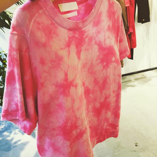 T-shirt / by UNION LAUNCH 2017 SS   『大地と自然の恵み』さんのビーツで染めたTシャツ(UNION LAUNCHさんの2017SSのコレクションより)。染料のご提案をさせていただきました。  ビーツ : 大地と自然の恵み(高知県香美市)