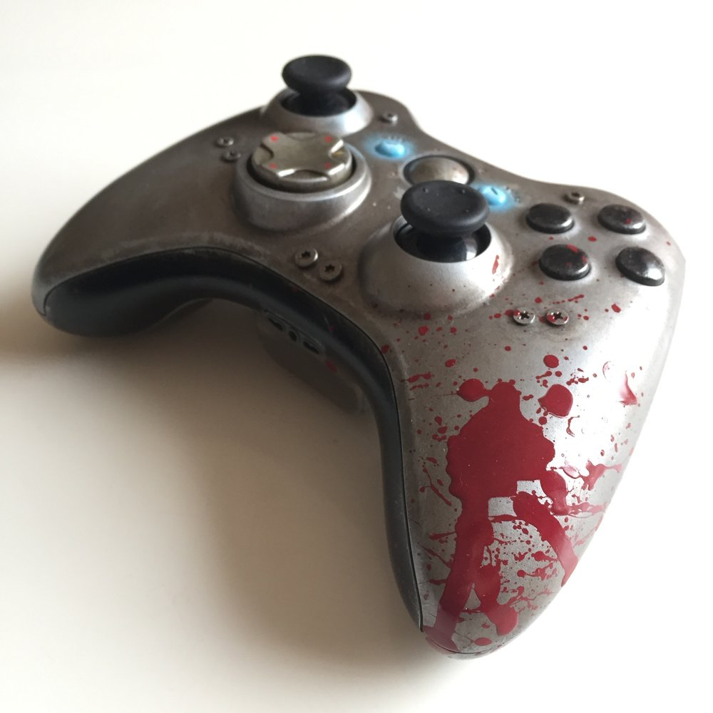 Gears of Wars - WAR Custom Controller 02.jpg