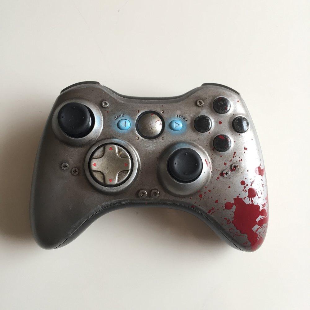 Gears of Wars - WAR Custom Controller 01.jpg