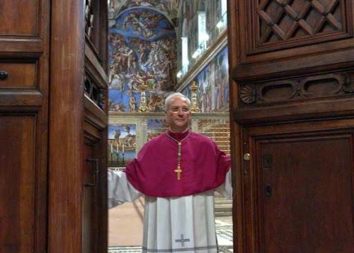 Archbishop Piero Marini, 18 April 2005.© Reuters/Osservatore Romano