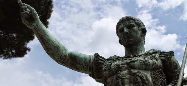 Modern bronze copy of the Augustus of Prima Porta, Via dei Fori Imperiali, © Alice Barigelli