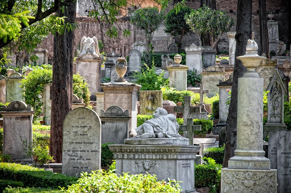 Non-Catholic Cemetery, Rome © Rmishka Singh