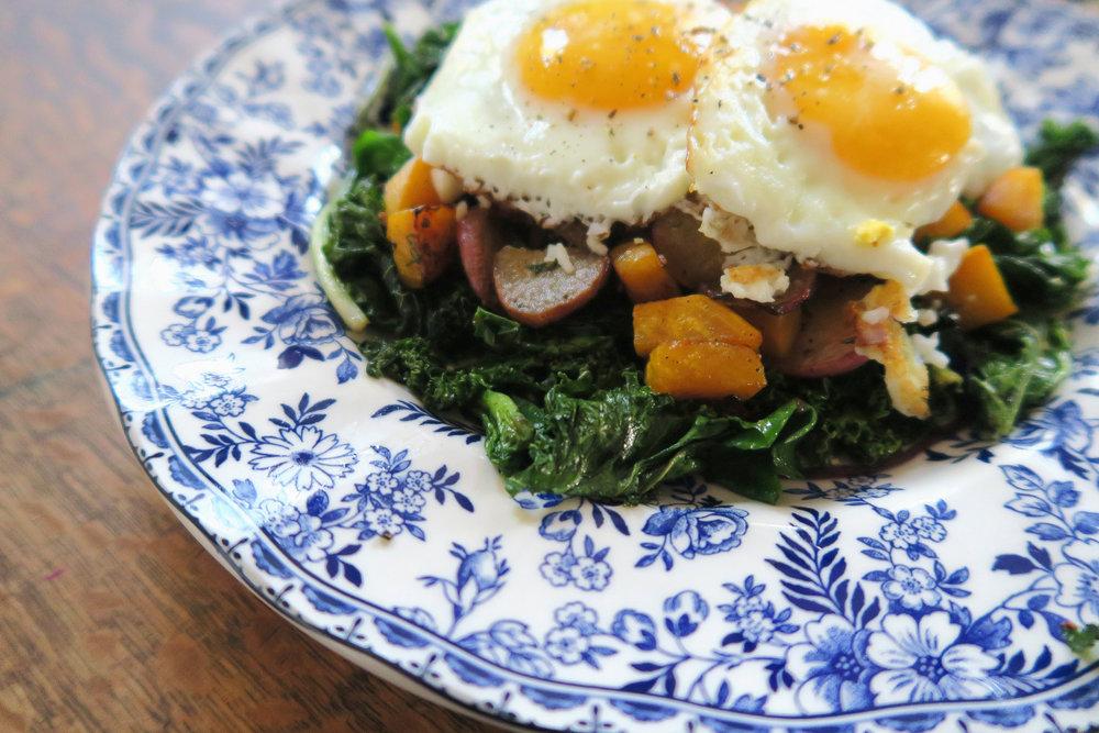 whole30 breakfast, whole30 recipe, paleo breakfast, paleo, radishes, healthy breakfast, breakfast salad,