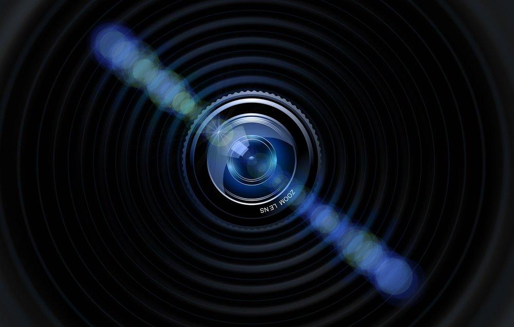 lens-490806_1920.jpg