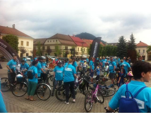 big_hope_on_bike_4.jpg