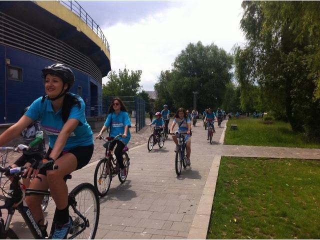 big_hope_on_bike_3.jpg