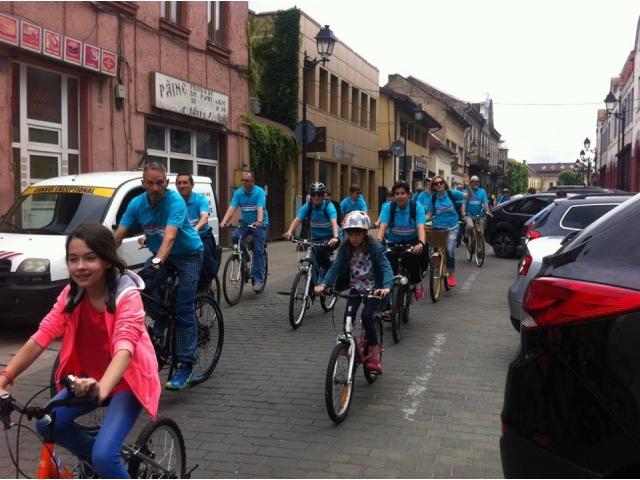 big_hope_on_bike_2.jpg