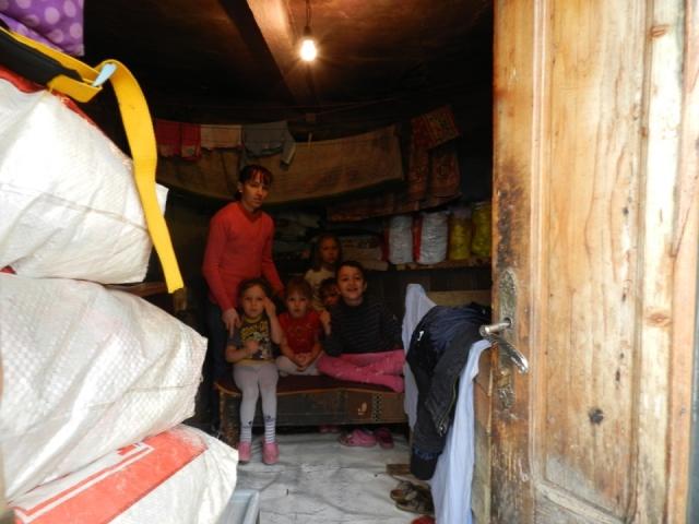 big_camera_in_care_locuiesc_copii_negurici.jpg