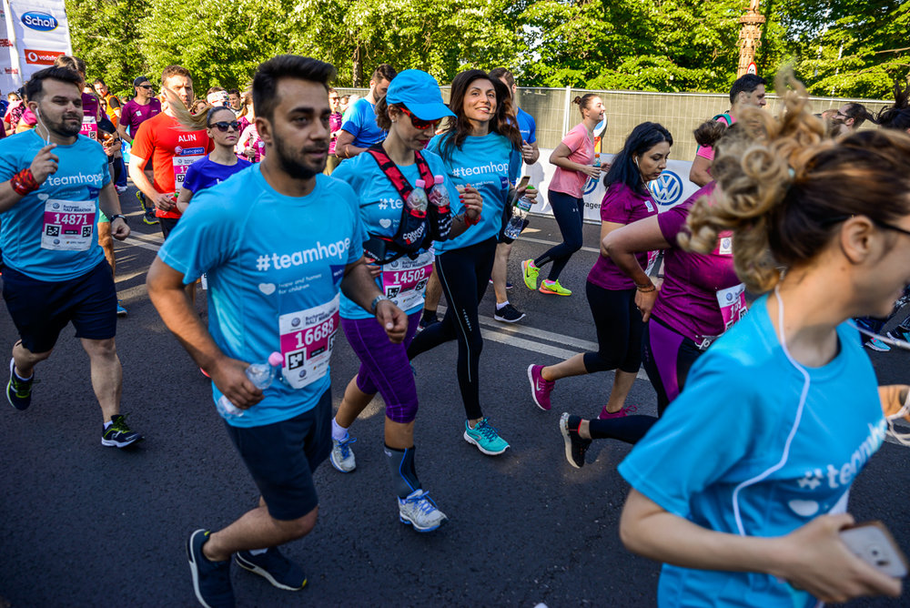 Alergatori Team Hope_Semimaratonul Bucuresti_01_Foto Radu Fugarescu.jpg